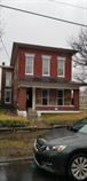 1518 Chestnut W, Louisville, Kentucky 40203, 3 Bedrooms Bedrooms, ,2 BathroomsBathrooms,Apartment,For Rent,Chestnut,1,1061